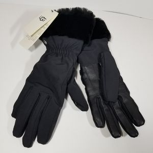 NEW UGG Black W FNT Smart Gloves Fur Cuffs Sz S